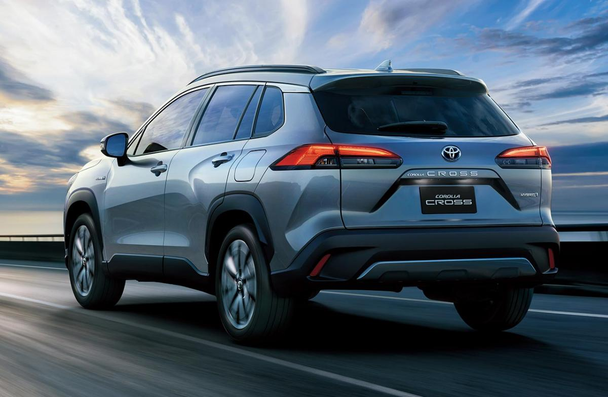 Toyota-Corolla-Cross-atras-2021
